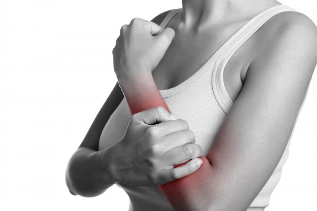 боль в суставах - симптом ревматизма