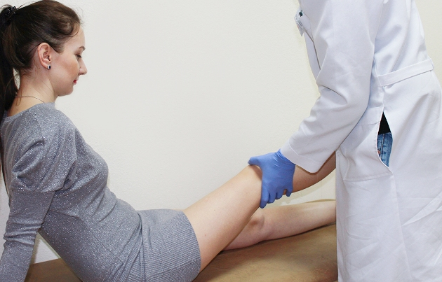 болезнь Гоффа лечит травматолог