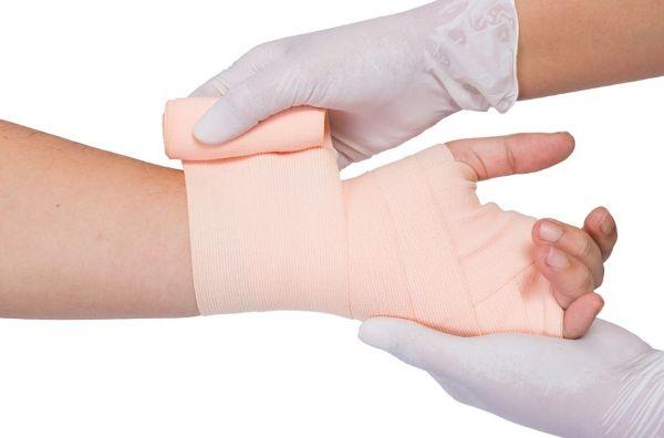 эластичный бинт при растяжении связок руки