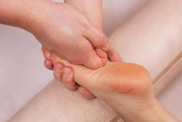 Чтобы был эффект, нужно делать массаж стоп регулярно